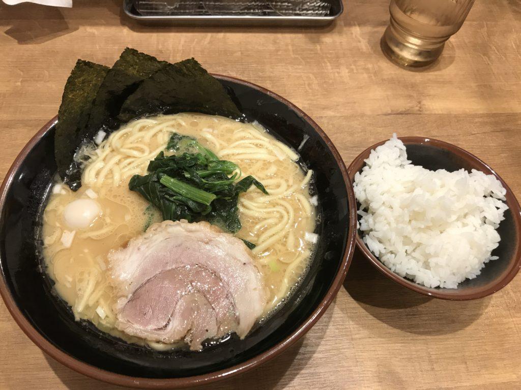 横浜家系ラーメン「横浜道」